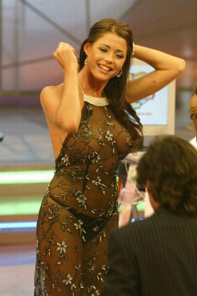 латинской женщины ведущие засветились без одежды отказываются