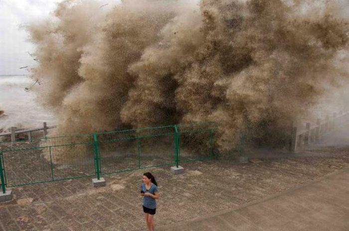 Бушующие волны на реке цяньтан 28 фото
