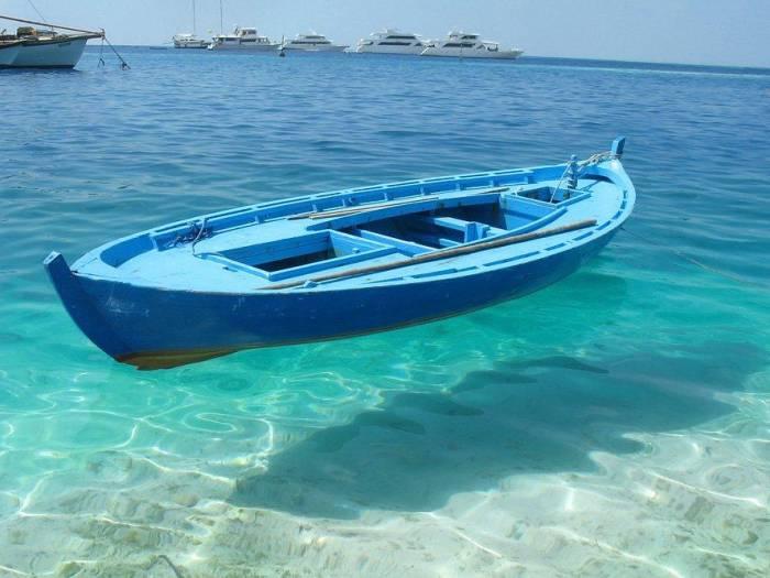 картинки лодок в море