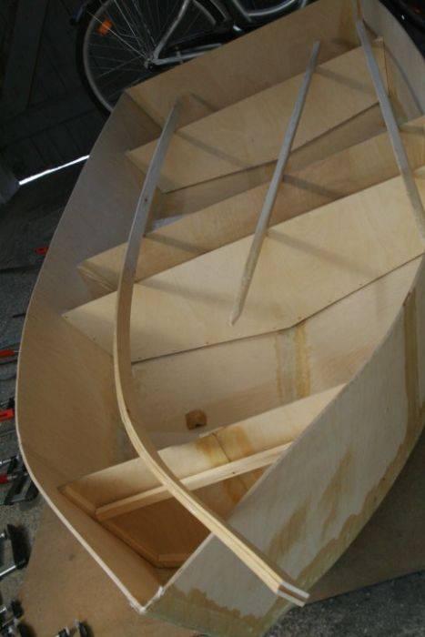 Как сделать лодку своими руками видео из камеры