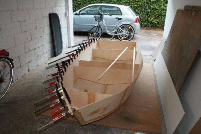 Делать лодку