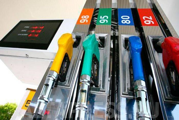 Осенью бензин в России подорожает на 2,5 рубля