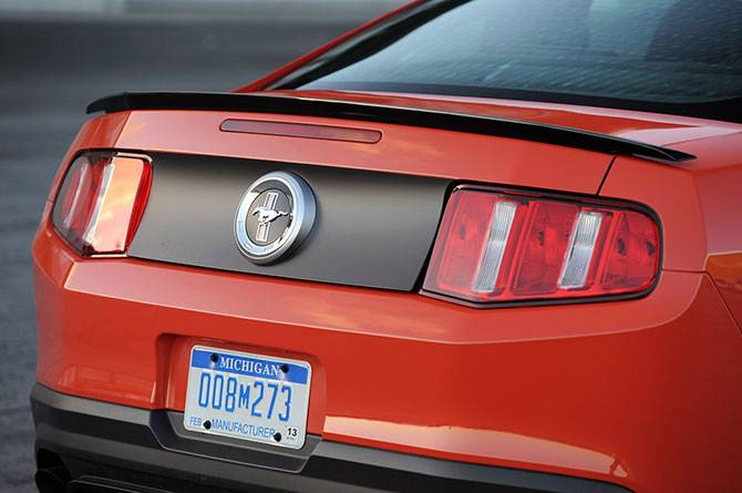 Ford Mustang Boss 302 (15 фото)