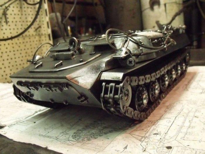 Копия танк из металла своими руками