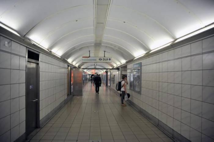 В лондонском метро действует система оплаты проезда по зонам.  Поэтому стоимость поездки будет зависеть от того...