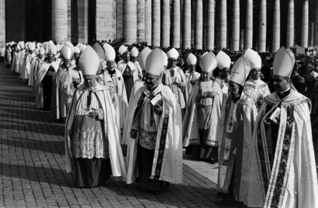 Католическая церковь официально признала, что Земля вращается вокруг Солнца, только в 1822-м году