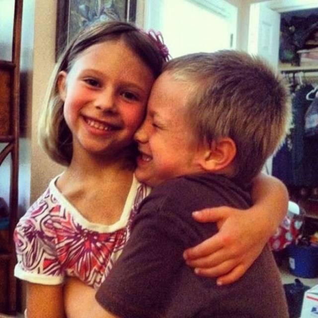 Брат с сестрой фото