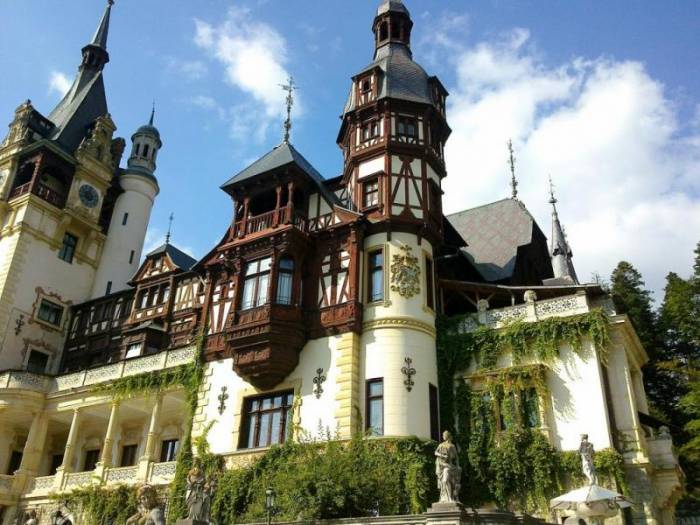 Роскошный замок Пелеш в Румынии (15 фото)