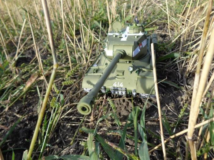 Танк ИС-2 из бумаги (17 фото)