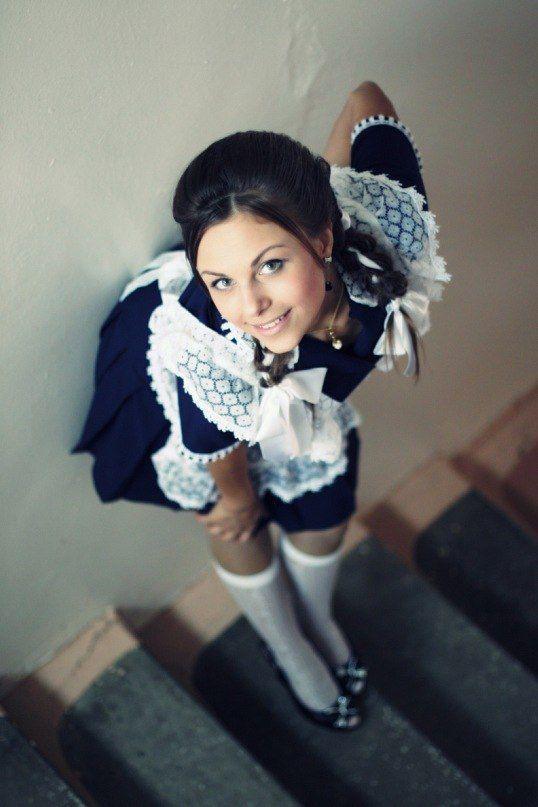 Частные фото девушек в школьной форме выпускницы фото 561-89