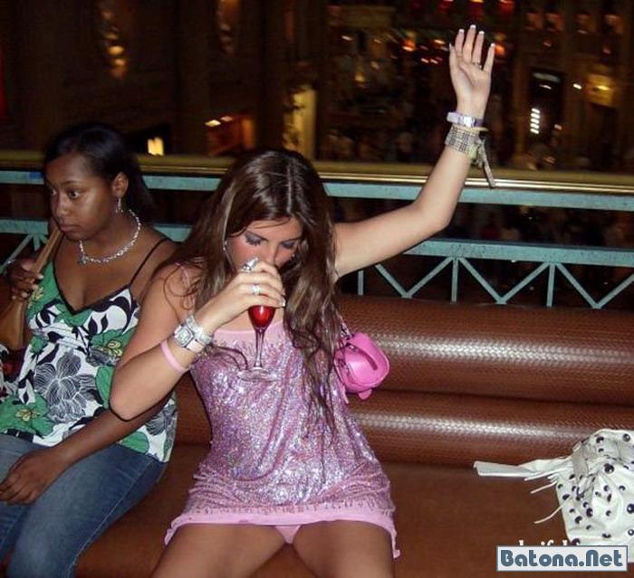 Прикольные фото в контакте из ночных клубов дон области пьяных девок