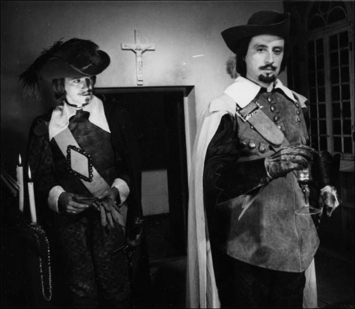 Фото со съемок трех мушкетеров (26 фото)