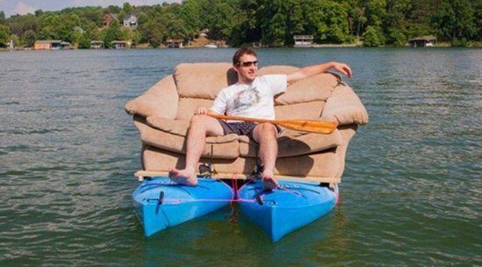 видео как плавать на лодке