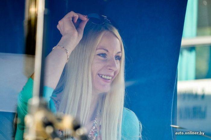 Под одеялом видео блонди необычное фото 240-199