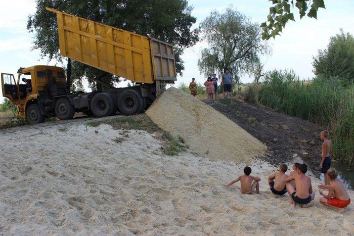Делаем пляж на речке своими руками (47 фото)