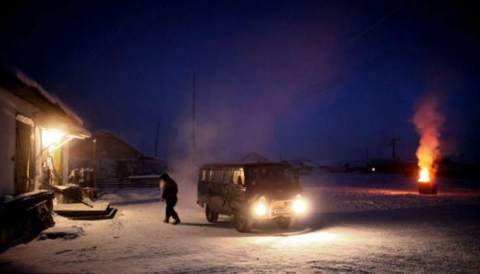 Как живут люди в самой холодной деревне на Земле (8 фото)