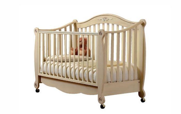 Как я дочурке кровать построил (10 фото)