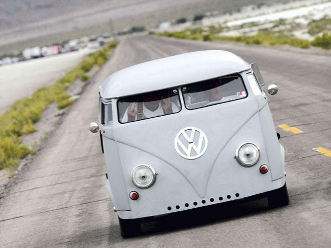 VW Bus с двигателем мощностью 600 лошадей (23 фото+1 видео)