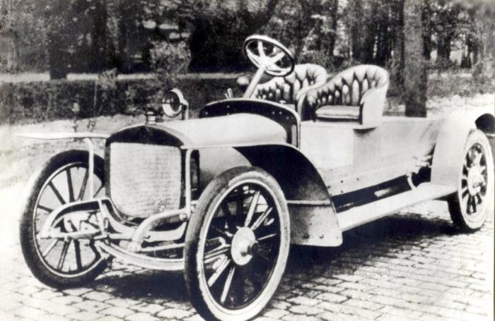Первые российские автомобили (14 фото)