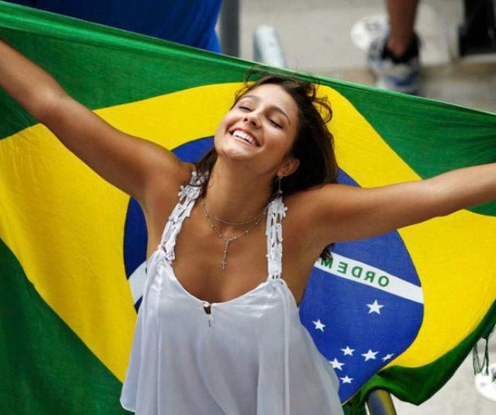 капронового прикосновения бразильские мордашки девушка лесу