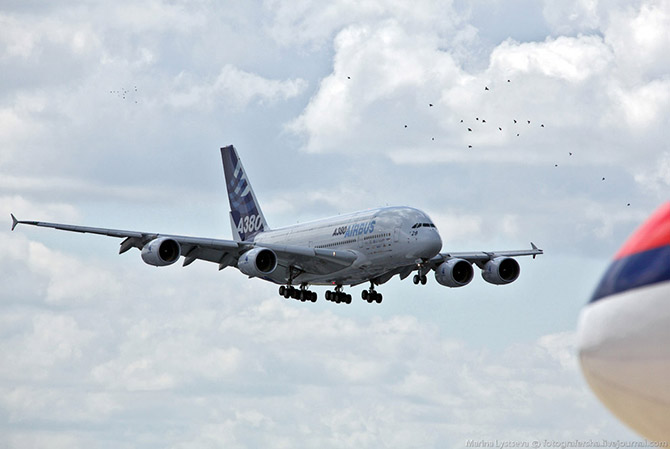 10 лет самому большому пассажирскому самолету (35 фото)