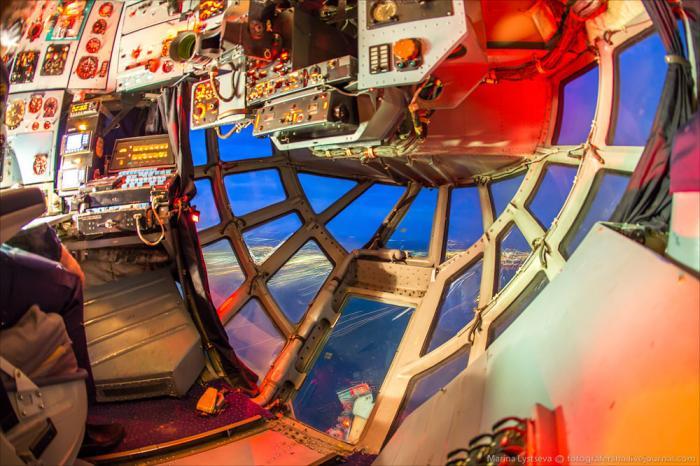 Взгляд из кабины штурмана Ил-76 (16 фото)