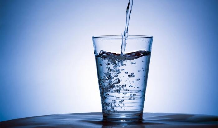 Распространенные мифы о воде (4 фото)