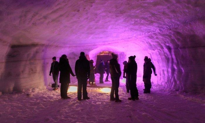 Самый большой в мире рукотворный ледяной туннель (10 фото)