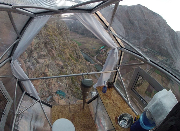 Отель, в котором рискнет остановиться далеко не каждый турист (12 фото)