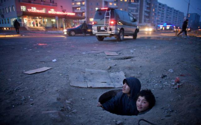 10 современных общин, которые живут под землёй (10 фото)