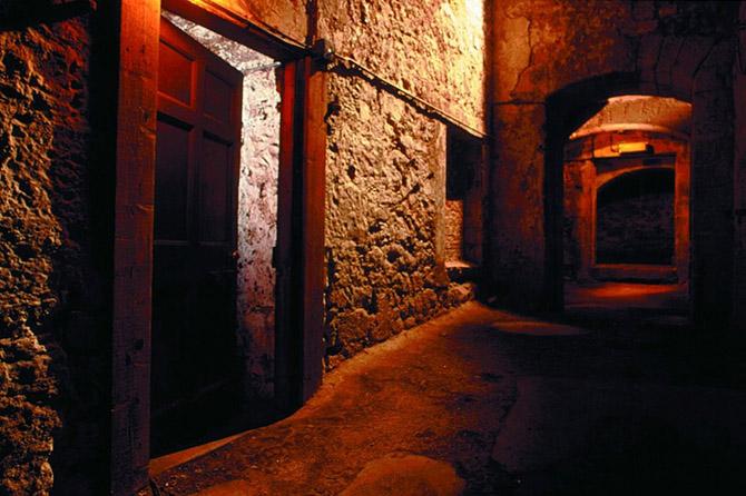 12 главных мистических мест Европы (25 фото)