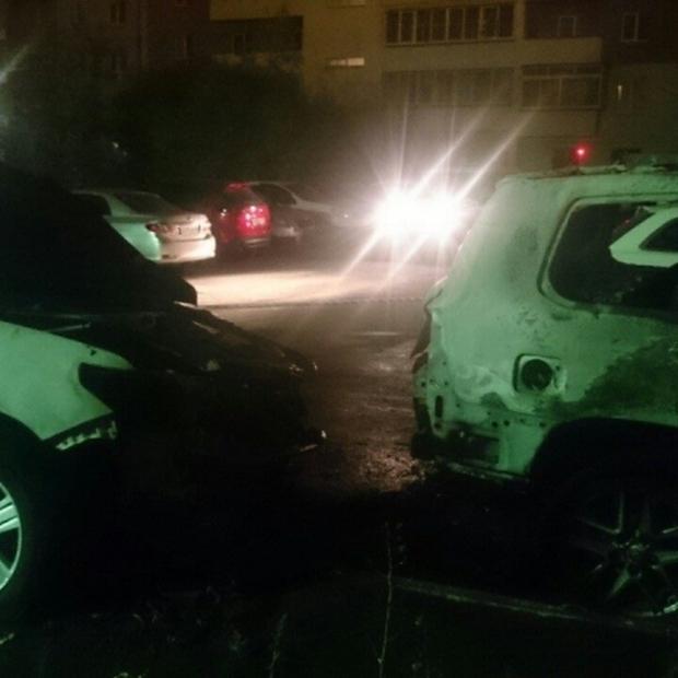 Награда в 500 000 рублей за информацию о поджигателе авто (2 фото)