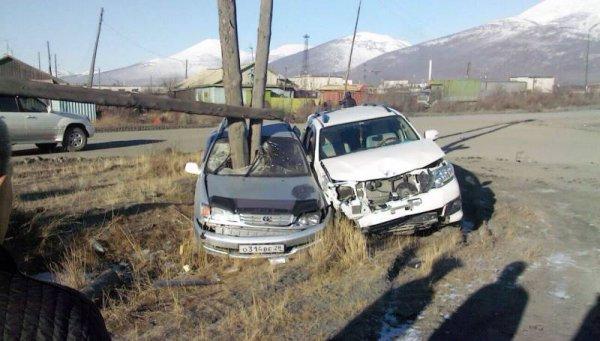 Счастливая случайность уберегла водителя (2 фото)