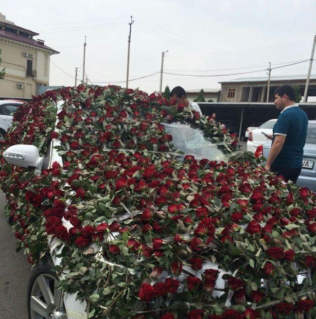 Букет роз стоимостью более 2000 долларов (8 фото)