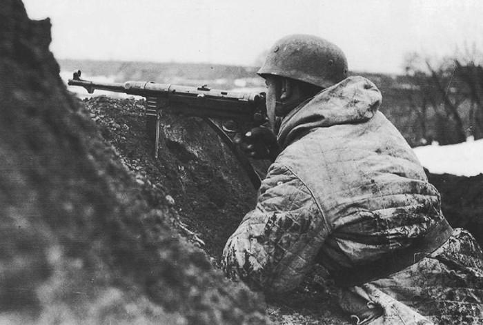 Русский солдат ебет немецкого солдата