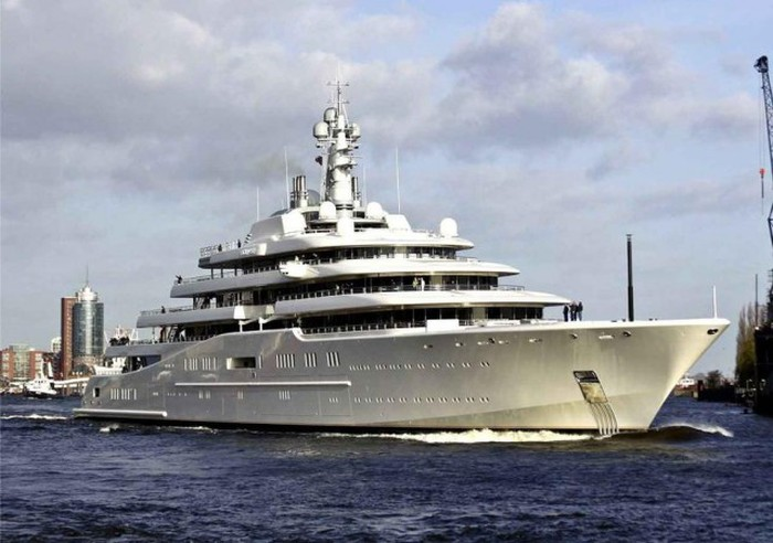 Самые дорогие покупки российских миллиардеров (10 фото)