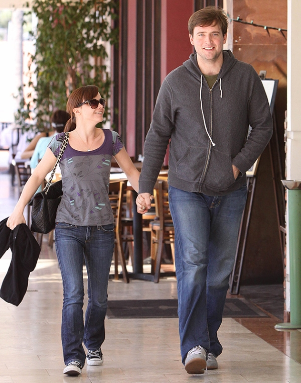 tall women dating shorter men