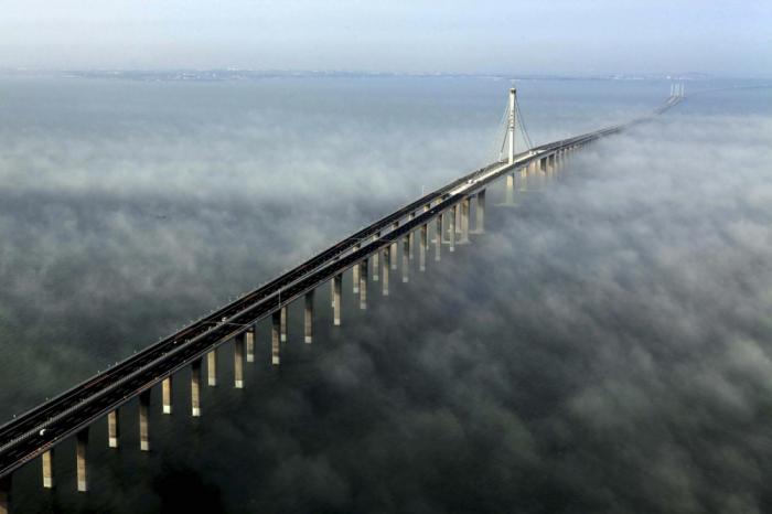 20 сказочных мостов, словно ведущих в другие измерения (20 фото)