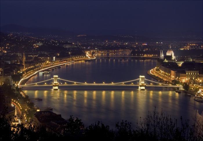 Почему стоит съездить в Будапешт (2 фото)