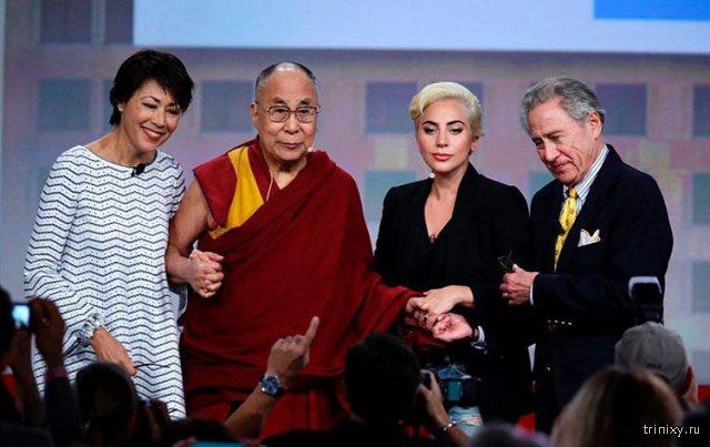 Леди Гага стала персоной нон грата в Китае (2 фото)