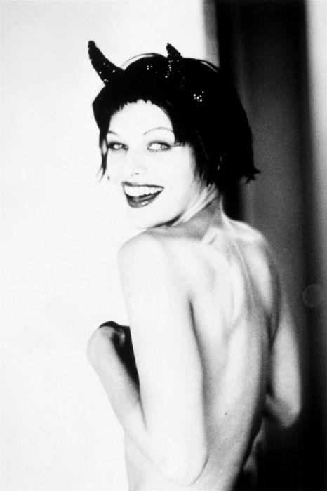 Малоизвестная фотосессия актрисы Миллы Йовович 1997 года (15 фото)