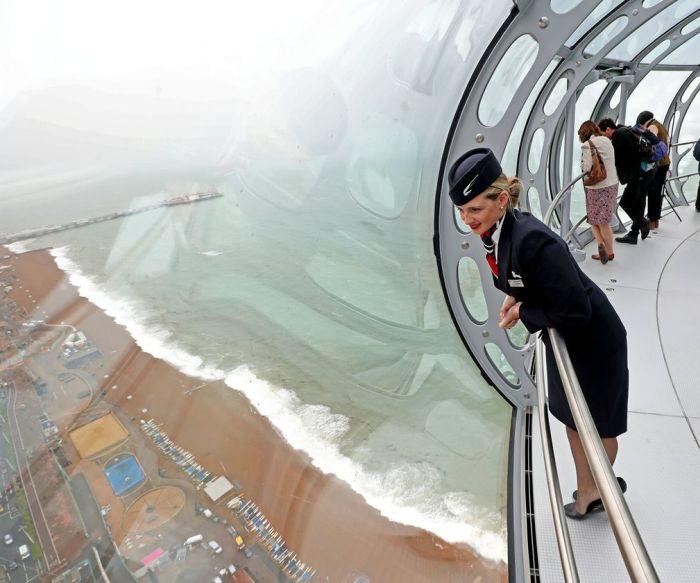 В Британском Брайтоне появилась рекордно тонкая обзорная башня (7 фото)