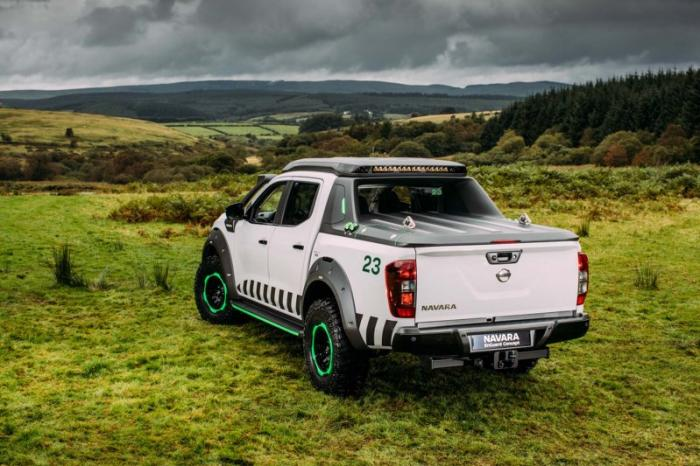 1475046835 001 Nissan Navara pickup truck made of the rescue vehicle (30 photos)
