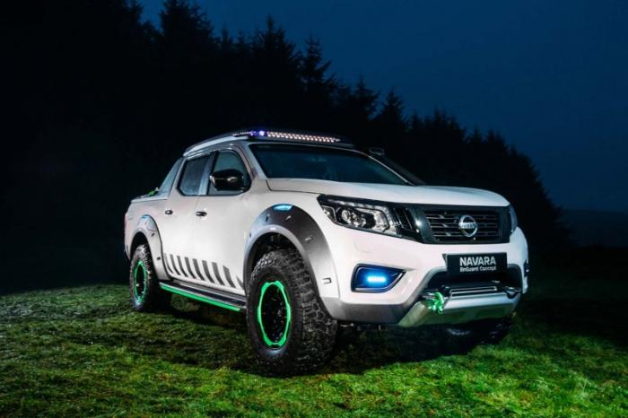 1475046835 020 Nissan Navara pickup truck made of the rescue vehicle (30 photos)