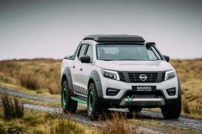 1475046908 019 Nissan Navara pickup truck made of the rescue vehicle (30 photos)