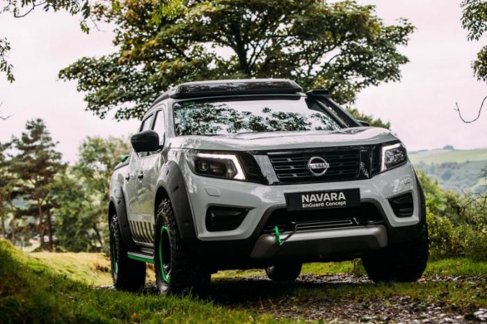 1475046927 026 Nissan Navara pickup truck made of the rescue vehicle (30 photos)