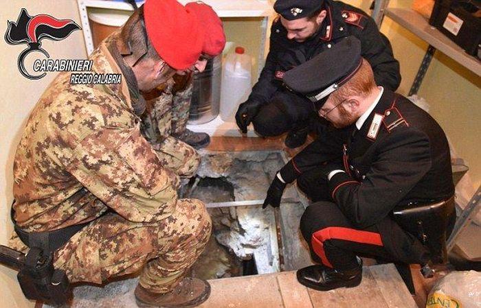 В Италии арестовали одного из самых опасных мафиози Санто Воттари (5 фото)
