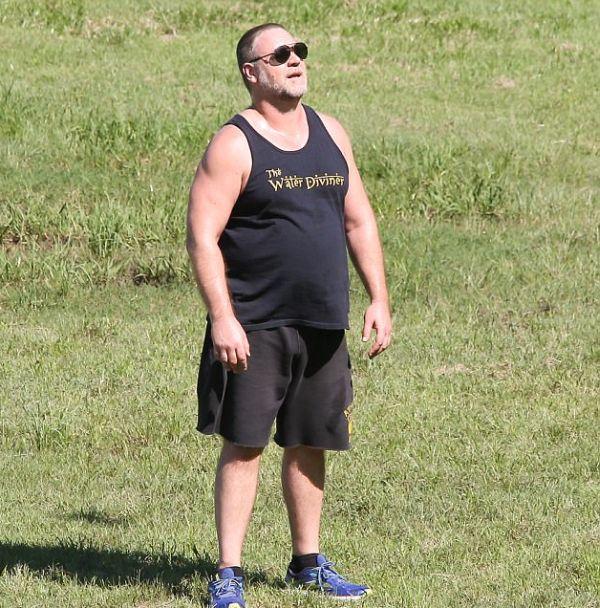 Фото набравшего лишний вес Рассела Кроу (6 фото)