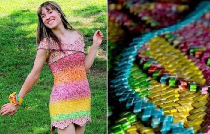 Девушка сделала платье из 10 тысяч фантиков