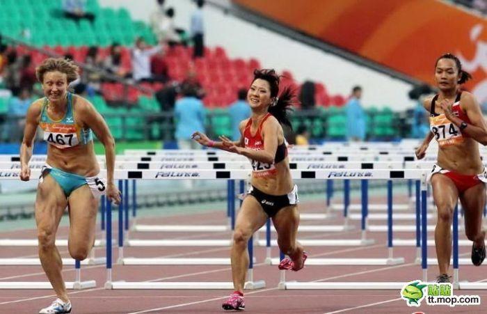 Суровые китайские бегуньи (10 фото)